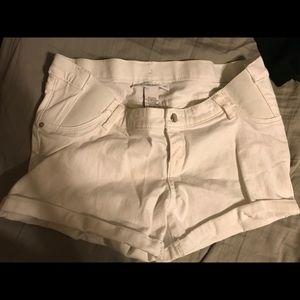 Liz Lange maternity Midi Shorts